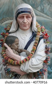 Mother Teresa statue in Prem Dan house, Kolkata