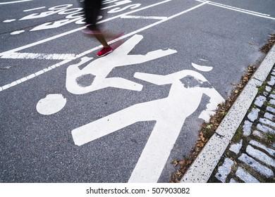 motion runner in the city