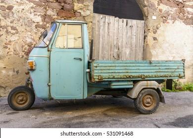 Italian 3 Wheeled Car Stock Photos Images Photography Shutterstock