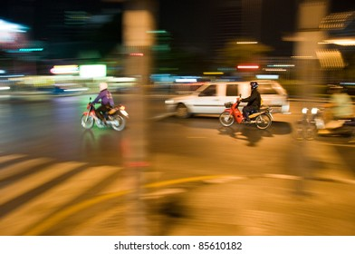 Motorcycle by night (Motion Blur)