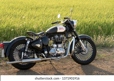 Royal Enfield Images Stock Photos Vectors Shutterstock