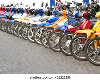 Motorcycles in line in a shop. Location: Rosario city, Argentina