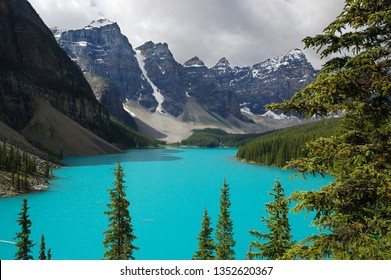 Mount Bowlen and Allen with turquoise water of Moraine lake