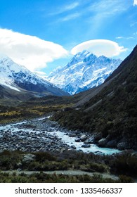 Mount Cook (Aoraki), highest mountain in New Zealand viewed from Hooker Valley track, popular hiking trail in Southern Alps and Mount Cook National Park, Canterbury region, New Zealand (NZ)