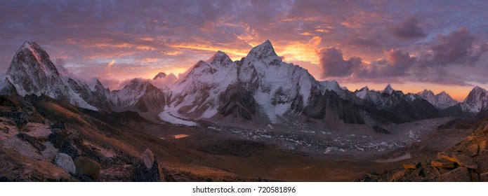 Mount Everest Range at sunrise, Himalaya, Nepal