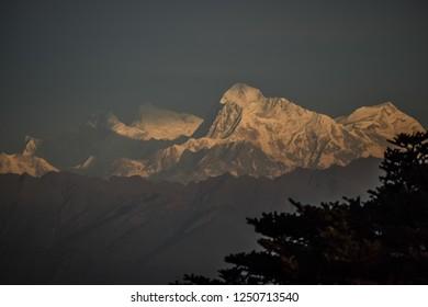 Mount Everest Sunrise from Sandakphu