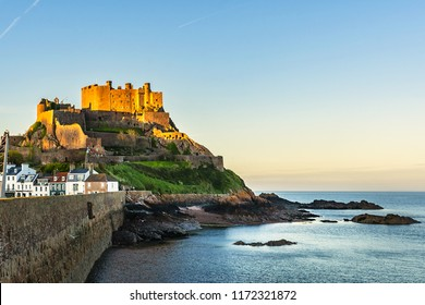 Mount Orgueil Castle (Gorey Castle, built 1204 - 1450), overlooking Grouville Bay in the small town of Gorey, Jersey, Channel Islands, United kingdom.