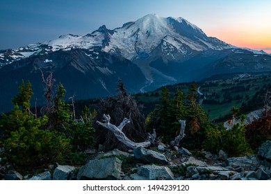 Mount Rainier National Park at sunset, with a view of the beautiful mountain