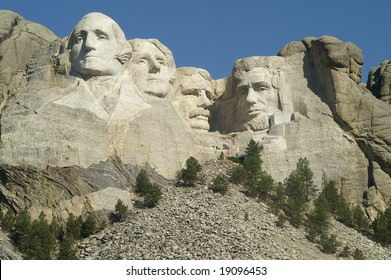 Mount Rushmore - the full view