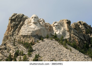 Mount Rushmore showing some of the surrounding mountain