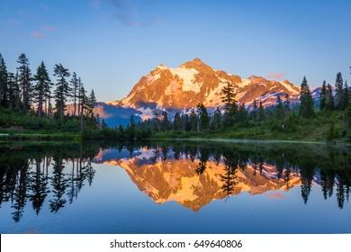 mount Shuksan, Picture Lake Trail, Artist point, North Cascades region.