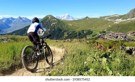 mountain bike in the alps