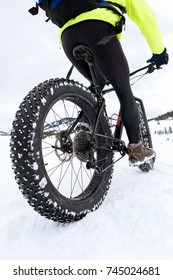 mountain bike with fat tires on snow covered trail in winter. winter sports.