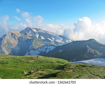 mountain climbing, hakuba, japan