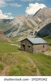 mountain hut in French Pyrenees