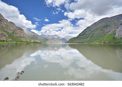 mountain, lake and treeline