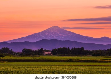 The mountain not inferior also lose the beauty of Mount Fuji. It is called the Chokai mountain.Is a beautiful mountain Akita Prefecture is proud