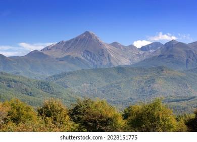 Mountain peaks in the Gran Sasso Parco Nazionale Abruzzo Italy