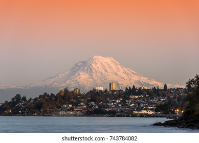 Mountain rainier at sunset