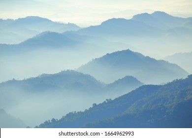 Mountain range in the morning Have beautiful light