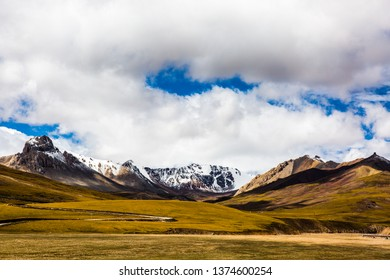 Mountain range on China's Tibetan Plateau on a sunny autumn day