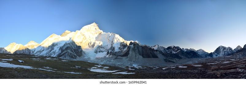 Mountain range panoramic photo at Kala Pattar, Nepal