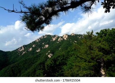 A mountain ridge in the Seoraksan National Park, South Korea