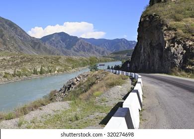 Mountain river Katun along the Chuysky Trakt