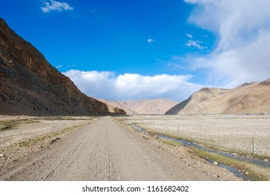 Mountain road in Himalaya, the higtest mountains in the World. Mountain range near Mount Everest in Tibet.