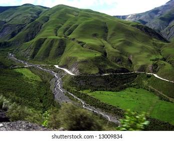 mountain route across the cuesta del obispo