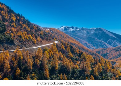 Mountain scenery near Yubeng, a village in the Meili Snow Mountains,Yubeng, Yunnan Province, People's Republic of China.