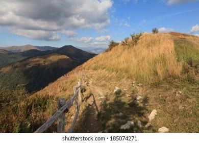 mountain trail, italy lake como