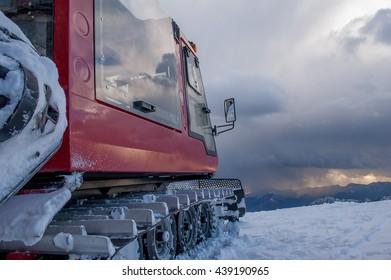 mountain transport groomer