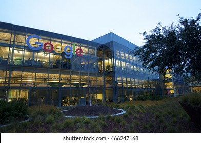 google office in usa. MOUNTAIN VIEW, CALIFORNIA, USA - JANUARY 8, 2016: Google Is An American Office In Usa