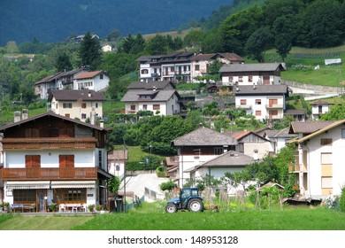 Mountain village Lamon