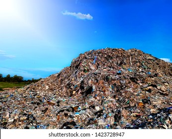 Mountain waste, debris that is difficult to degrade from urban areas and industrial estates in underdeveloped countries in Southeast Asia.