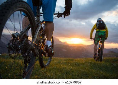 mountainbike sunset-sunrise