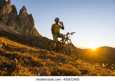 mountainbiker requires liquid water