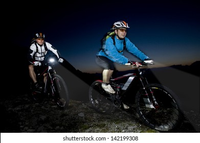 Mountainbiking in the evening - Mountainbike action in the darkness