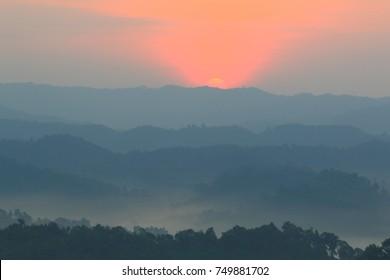 Mountain-Fog-Sunrise (Ban Na Ton Chan, Sukhothai, Thailanc)