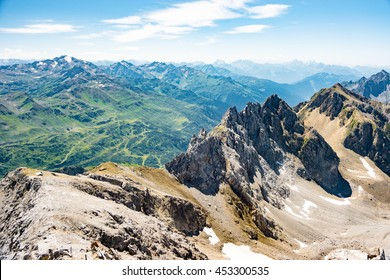 Mountains around St. Anton am Arlberg, Asutria