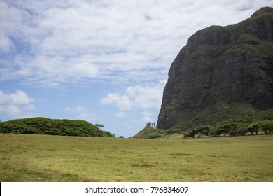 Mountains and Lush Landscape in Hawaii