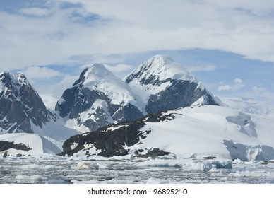 The mountains on the coast of the Antarctic Peninsula - 3.