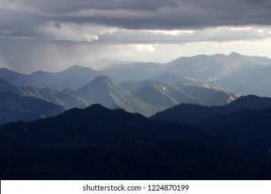 Mountainscape in West Cascades, sun shining, Thor's Hammer and West Cascades, Willamette National Forest, Oregon, USA