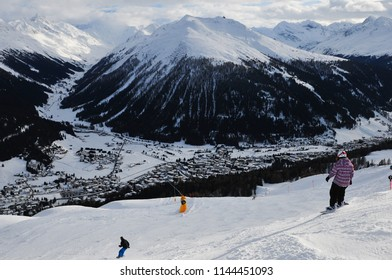 Mountain-view to the Jakobshorn from Parsenn above Davos-City