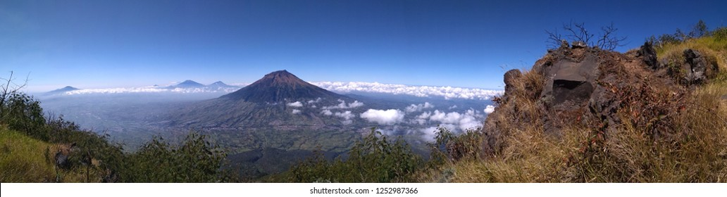 mounth sumbing from sindoro