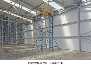 Movable Scaffolding Tower Platform in Distribution Warehouse