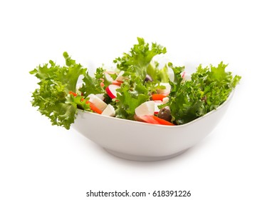 Mozzarella and fresh vegetable salad