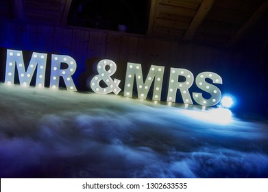 Mr and Mrs / Mr & Mrs Wedding Sign