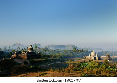 Mrauk U temples. Dukkanthein Paya - built by King Minphalaung in 1571 in particulary troubled times, Dukkanthein's interior features spiralling cloisters lined with images of Buddha, Myanmar (Burma)